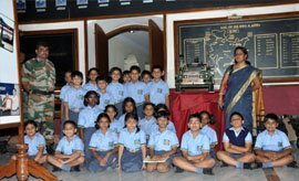 time school students museum visit